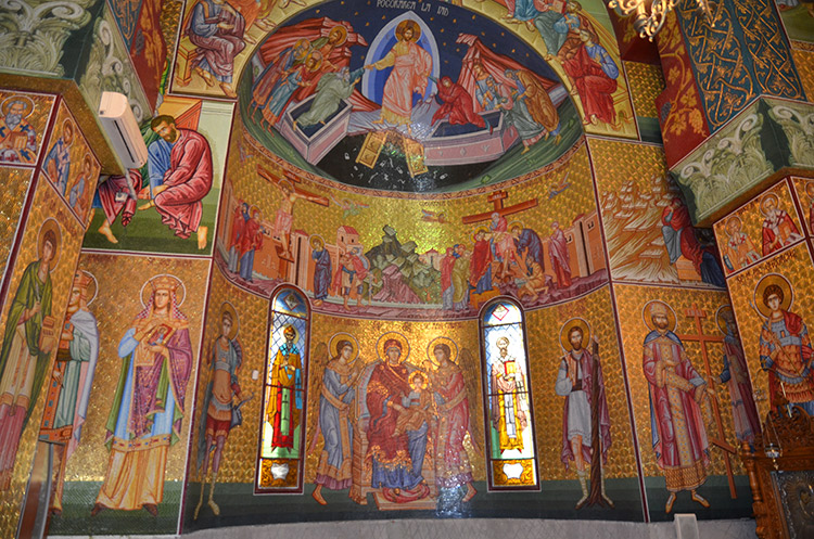 Imagini pentru sfanta biserica imagini