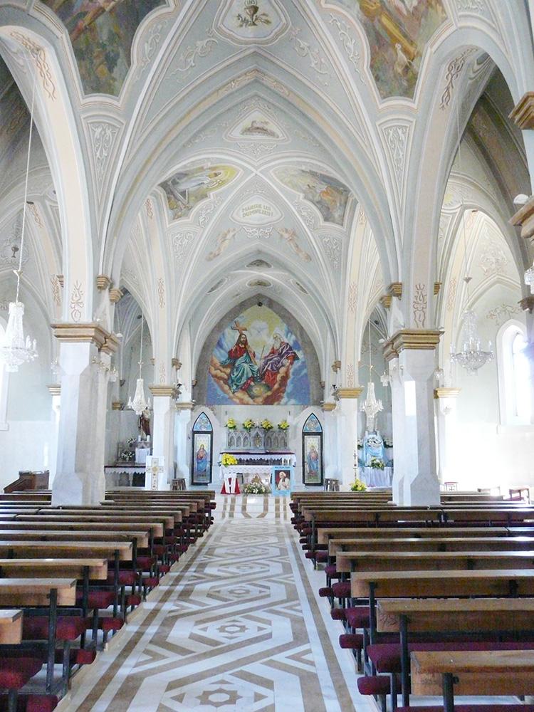Бакэу - Римско-Католическая Церковь Святой Троицы, Ойтуз